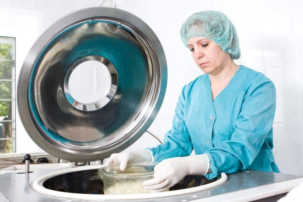 technician and bone grafting machine
